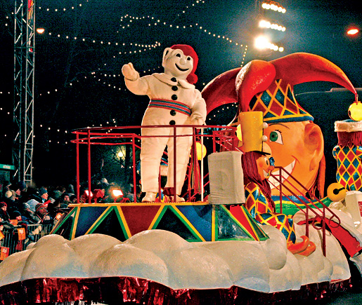 The Quebec Winter Carnival's Bonhomme shares the spotlight. [.]