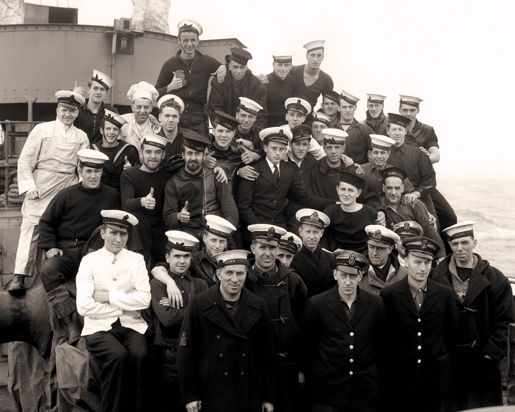 Personnel of HMCS Chambly, May 1941. [PHOTO: LIBRARY AND ARCHIVES CANADA—PA115351]