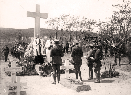 The Canadian Memorial at Marine Cemetery, Vladivostok, is dedicated in June 1919. [PHOTO: STEPHENSON FAMILY COLLECTION]