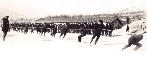 Members of the CSEF battle it out in a tug-of-war at Vladivostok in early 1919. [PHOTO: RAYMOND GIBSON, LIBRARY AND ARCHIVES CANADA—C091750]