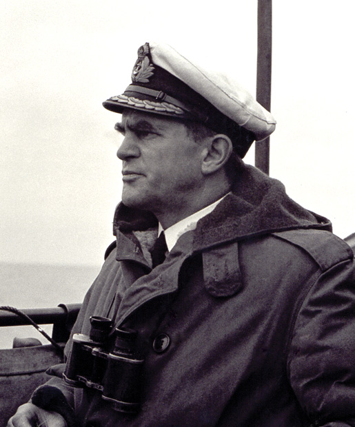 """Lieutenant-Commander """"Chummy"""" Prentice. [PHOTO: NATIONAL DEFENCE, LIBRARY AND ARCHIVES CANADA—PA151743]"""
