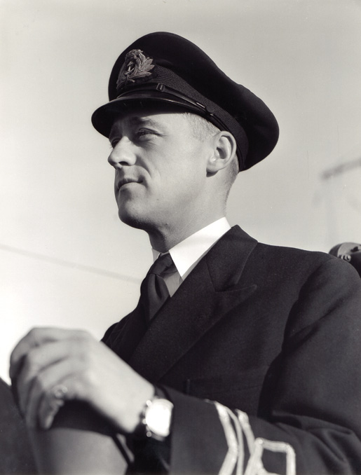 Lieutenant-Commander A.G. Boulton. [PHOTO: BYRON JOHNSTON BAILLIE, NATIONAL DEFENCE, LIBRARY AND ARCHIVES CANADA—PA106413]