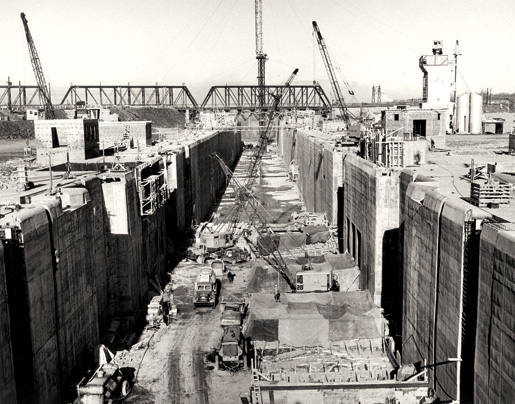 Construction at the St. Lambert Lock near Montreal. [PHOTO: ST. LAWRENCE SEAWAY MANAGEMENT CORPORATION]