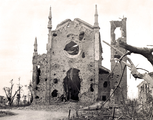 The remains of a church once occupied by the enemy at San Lorenzo, Italy. [PHOTO: NATIONAL DEFENCE, LIBRARY AND ARCHIVES CANADA—A173438]