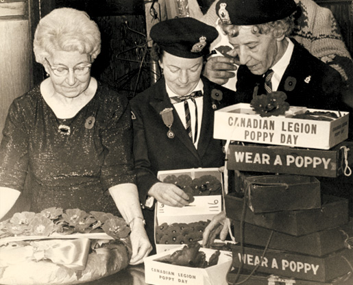 Members of the Peterborough, Ont., Ladies Auxiliary distribute poppies during the early 1970s. [PHOTO: LEGION MAGAZINE ARCHIVES]