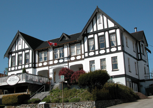 The Old Courthouse Inn in Powell River is home to the Manzanita Restaurant. [PHOTO: OLD COURTHOUSE INN]