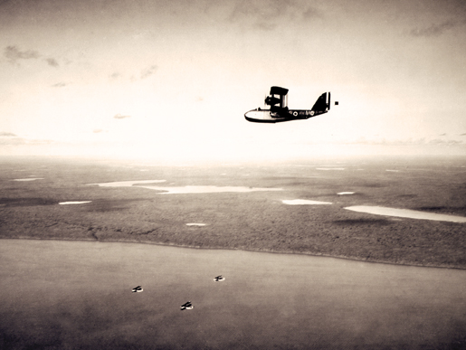 Vickers aircraft on patrol over Ladder Lake, Sask. [PHOTO: LIBRARY AND ARCHIVES CANADA—PA139010]