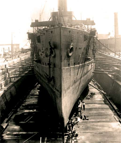 The aged cruiser Niobe sits in dry dock at Halifax. She was commissioned in the Canadian navy on Sept. 16, 1910. [PHOTO: NOTMAN STUDIO, LIBRARY AND ARCHIVES CANADA—PA028497]