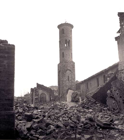 A tower remains standing following the heavy shelling of Ravenna, December 1944. [PHOTO: DND/LIBRARY AND ARCHIVES CANADA—PA167305]