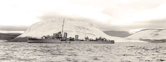 HMCS Assiniboine off Iceland, 1942. [PHOTO: GERALD T. RICHARDSON, LIBRARY AND ARCHIVES CANADA—PA105817]