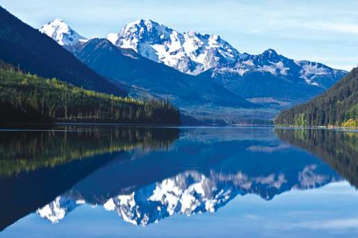 British Columbia mountain reflection. [PHOTO: ©iStockphoto/4loops]
