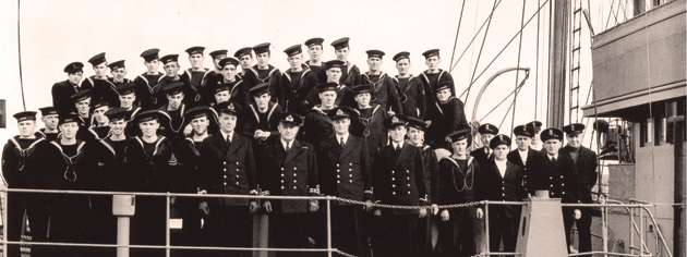 Ship's company aboard HMCS Windflower, 1940. [PHOTO:  LIBRARY AND ARCHIVES CANADA—PA104397]