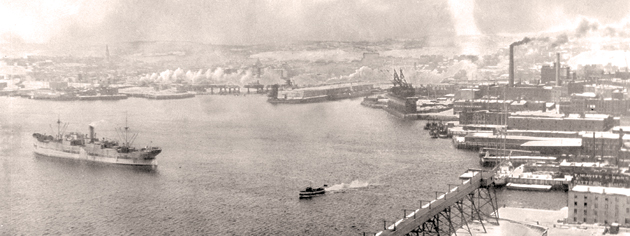 The east side of Saint John harbour during the Second World War. [PHOTO: PROVINCIAL ARCHIVES OF NEW BRUNSWICK, FRANK O'BRIEN COLLECTION]