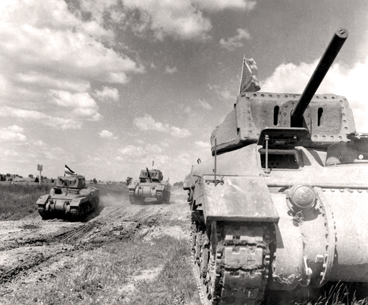 Canadian-made Ram tanks in 1943. [LIBRARY AND ARCHIVES CANADA—WRC-3176]