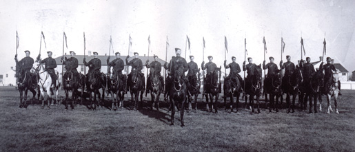 Canadian Mounted Rifles. [PHOTO: LIBRARY AND ARCHIVES CANADA PA-028895]