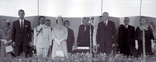 Royal Visit - St. Lawrence Seaway Opening. [PHOTO: LIBRARY AND ARCHIVES CANADA PA-136129]