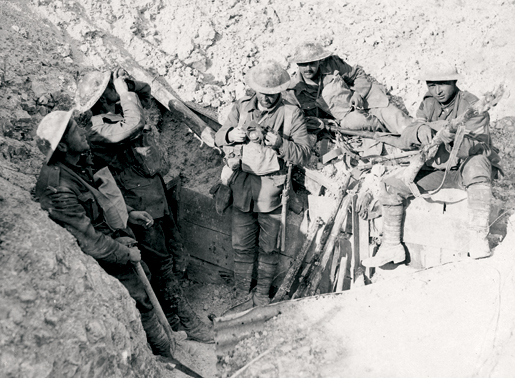 Canadians position themselves in a captured trench on Hill 70. [PHOTO: CANADIAN WAR MUSEUM—19920085-686]