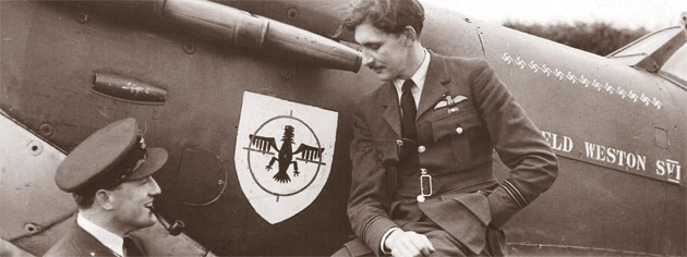 Two airmen with Garfield Weston Spitfire SVI. [PHOTO: WESTON CORPORATE ARCHIVES]