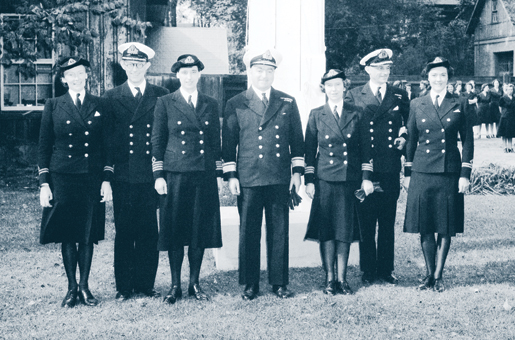 The September 1942 graduation of the first class of Wren officers in Ottawa. [PHOTO: D.A. SWAN, LIBRARY AND ARCHIVES CANADA—PA142302]