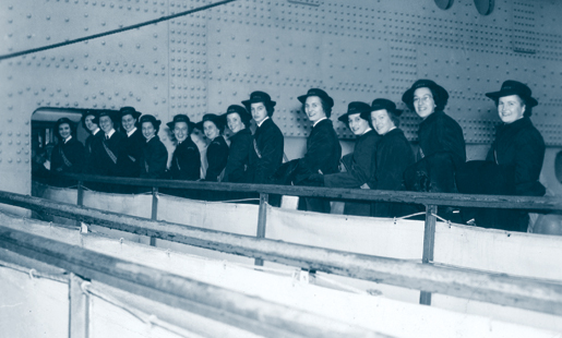 The first members of the Women's Royal Canadian Naval Service embark for Great Britain, August 1943. [PHOTO: GEORGE METCALF ARCHIVAL COLLECTION, CANADIAN WAR MUSEUM—19850304-021]