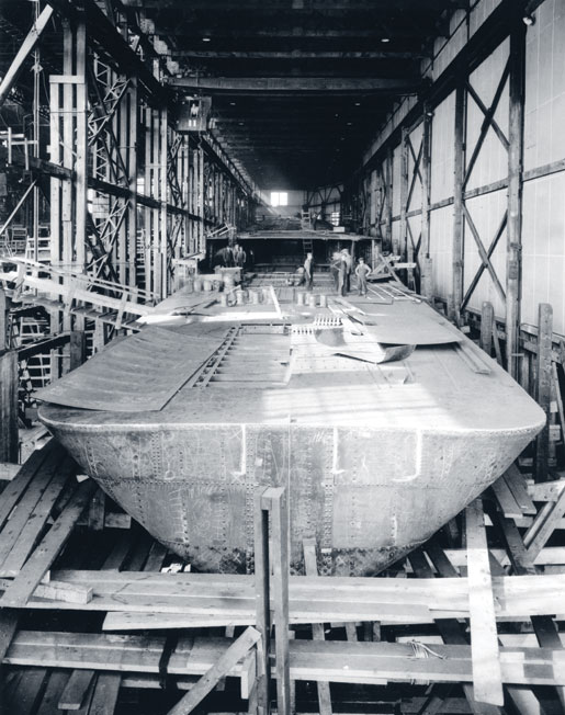 A frigate under construction at the Canadian Vickers Limited shipyard in Montreal, 1942. [PHOTO: CANADIAN VICKERS LIMITED, LIBRARY AND ARCHIVES CANADA—C032833]
