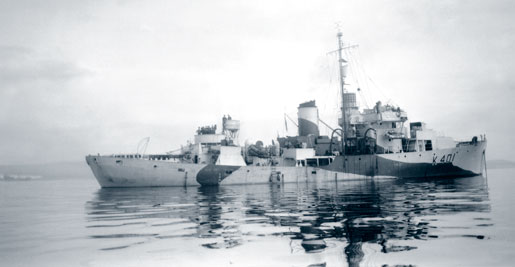 HMCS Louisburg (2nd) was an Increased Endurance corvette. [PHOTO: LIBRARY AND ARCHIVES CANADA—PA114637]