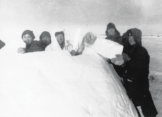 Gary Smith of Peterborough, Ont., shares a couple of photos from his time in the Far North with No. 1 Airborne Medical Platoon.