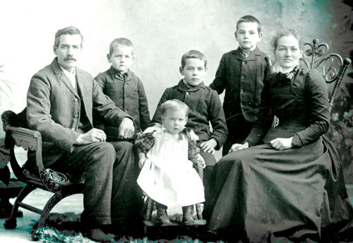Robert and Phoebe Black and four of their children. Clarence is second from left. [PHOTO: COURTESY ROBERT BLACK]