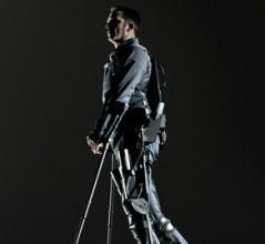 An exoskeleton suit developed by Ekso Bionics of California. [PHOTO: R.J. MUNA, EKSO BIONICS]
