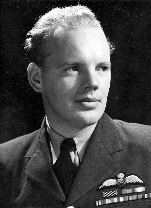 Flight Sergeant Donald Cornish. [PHOTO: HISTORIKORDERS.COM]