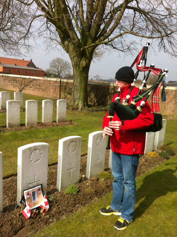 Michael O'Sullivan plays the bagpipes as a tribute to his great, great uncle who was killed in the First World War.  [PHOTO: TOM O'SULLIVAN]