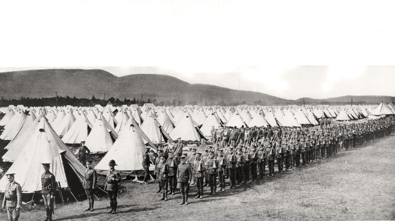 The scene at Valcartier, Que., 1914. [PHOTO: LIBRARY AND ARCHIVES CANADA–C036116]