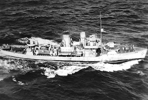 HMCS OAKVILLE, 1942. [PHOTO: COURTESY SEAN E. LIVINGSTON, www.hmcsoakvillebook.com]