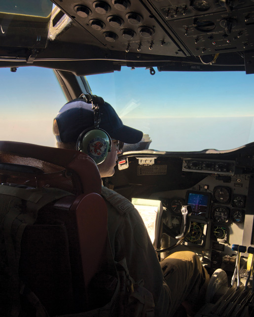 A Canadian CP-140 Aurora aircraft in Operation Impact, the Canadian mission against ISIL in Iraq. [OP IMPACT/DND]
