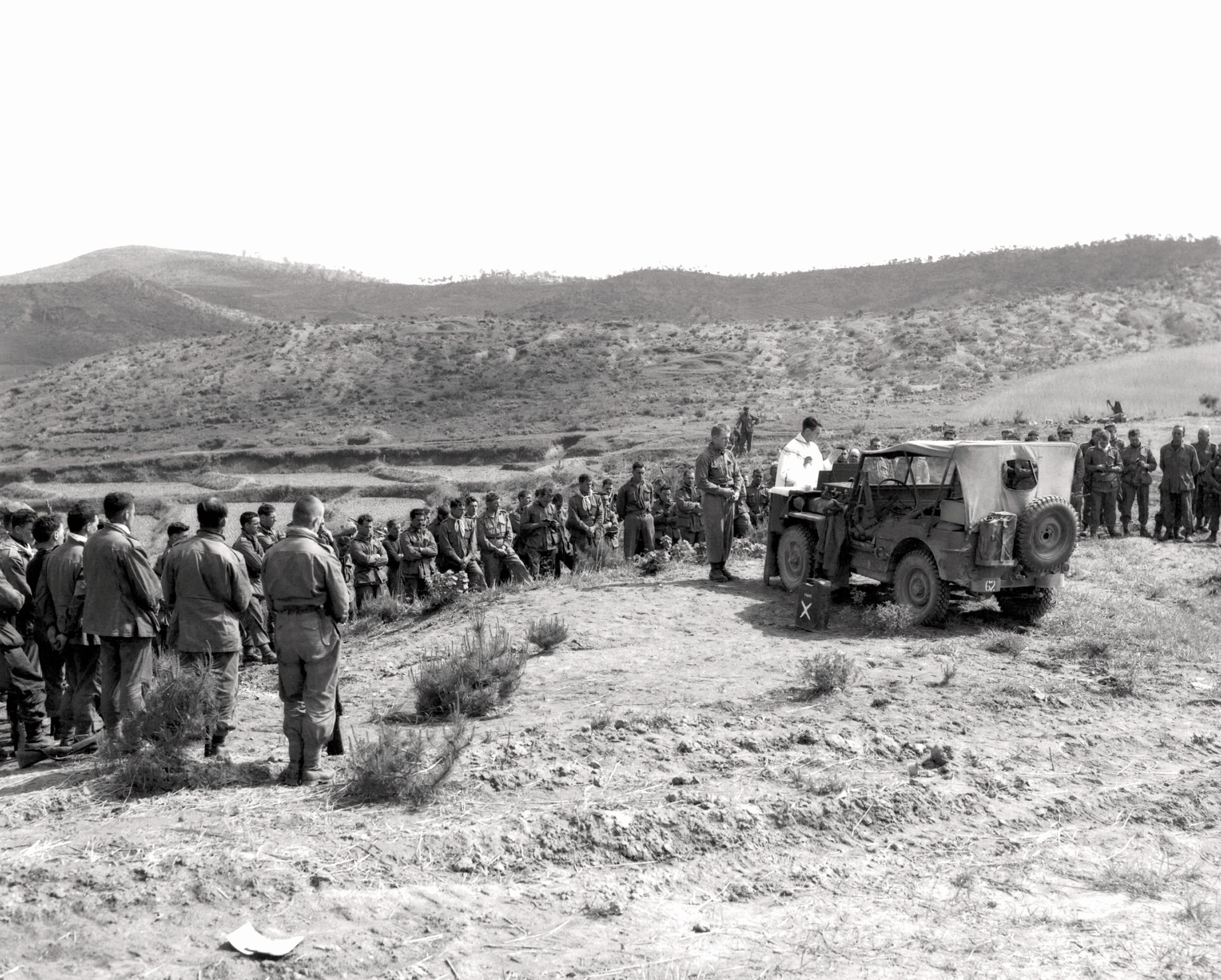 Historic Korean War Photo – A Regimental Mass