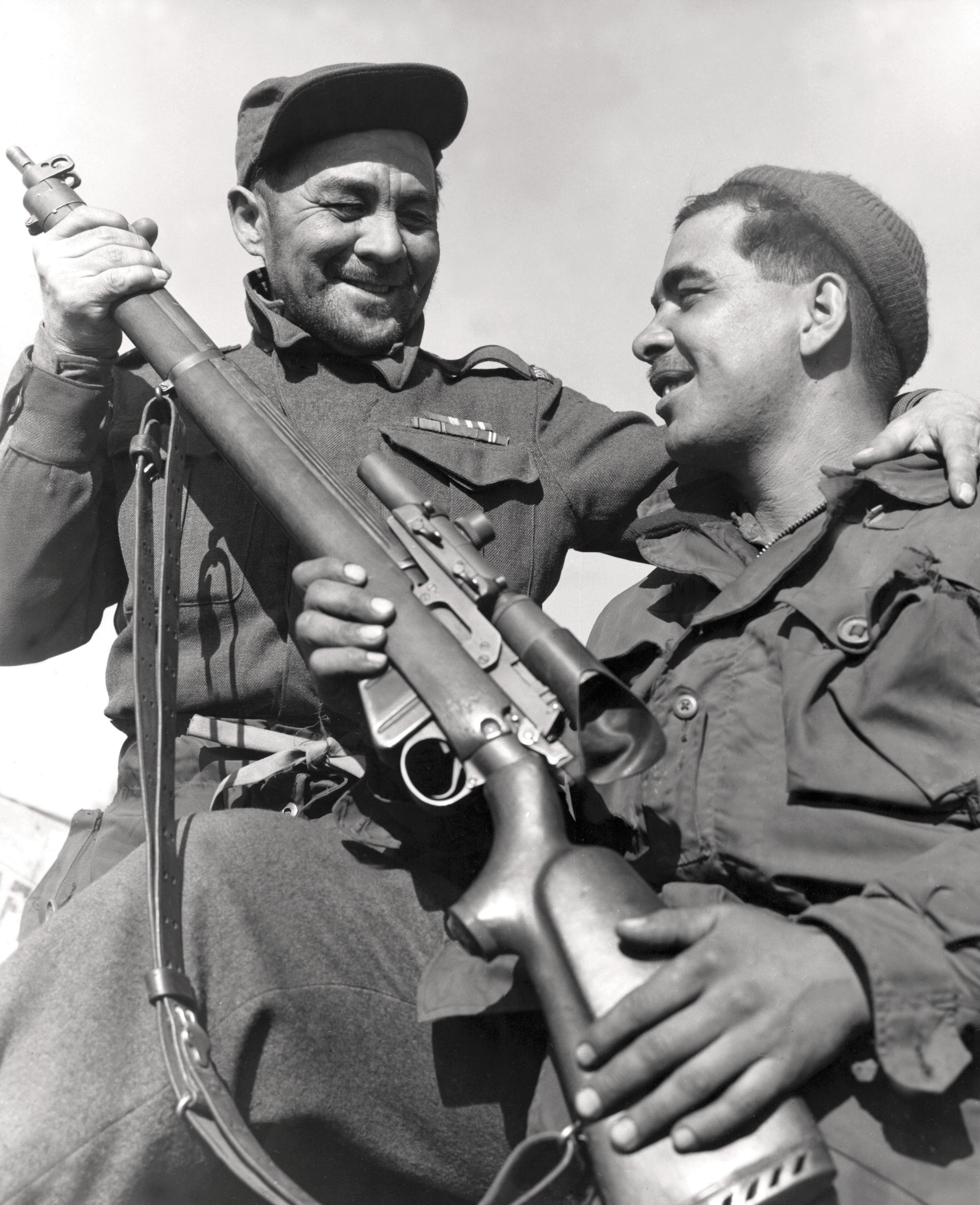 Historic Korean War Photo – Private John Wheeler And His Son