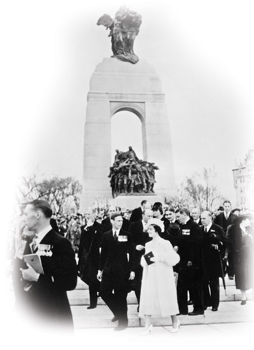 H.M. King George VI and Queen Elizabeth unveiling the National War Memorial. [LAC/C-002179]
