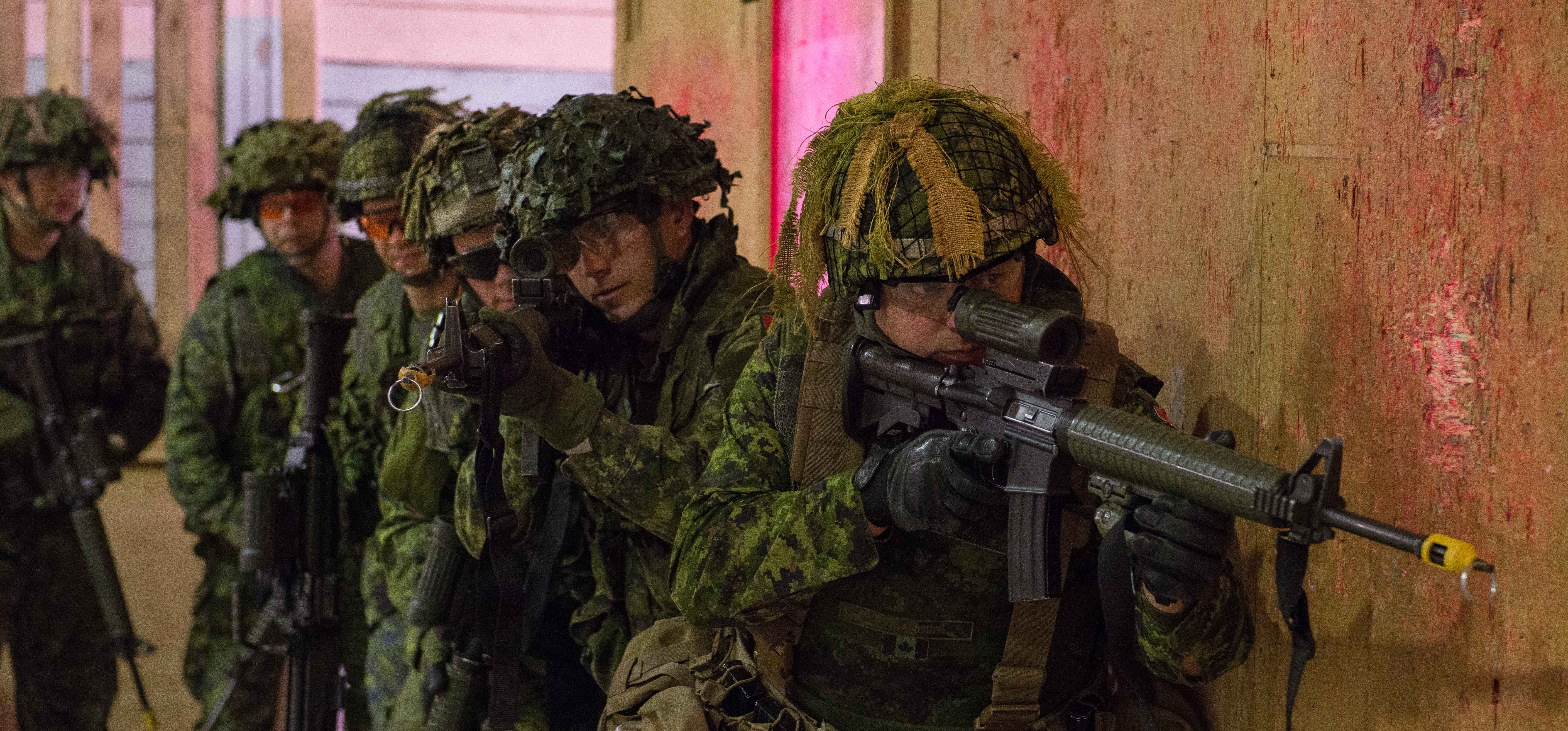 General Jonathan Vance warns Canada to expect casualties (again)