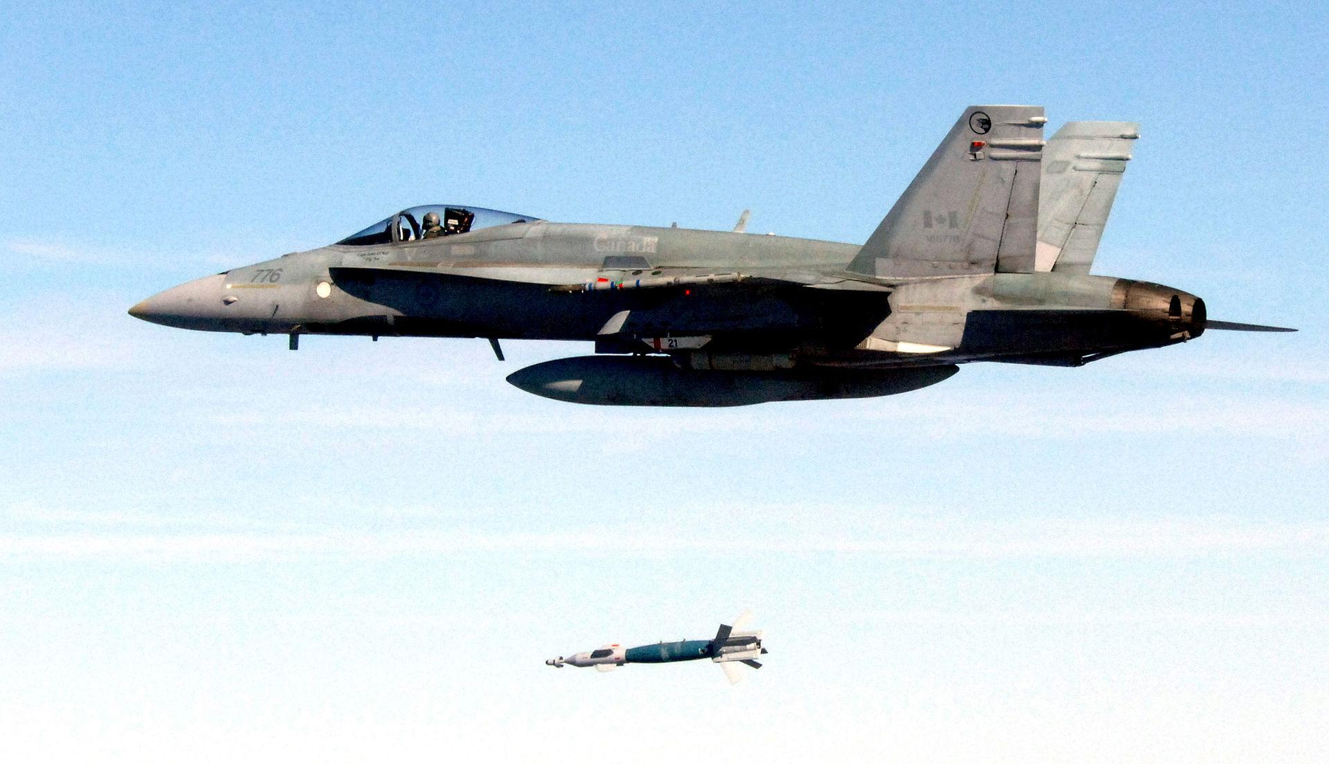 cf-18a_launches_lgb_eglin_afb_2006