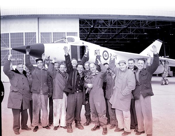 Avroline crew