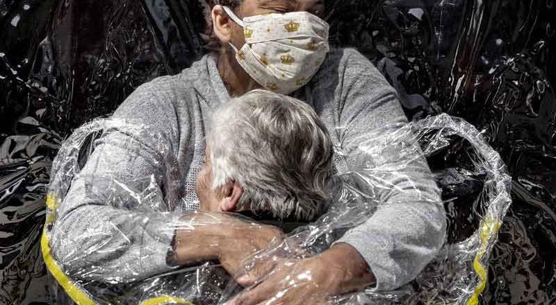 War, hunger, locusts, fire and pestilence: World Press Photo returns